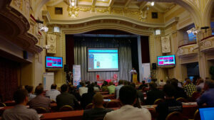 Luis Benitez presenting in the Congress Hall